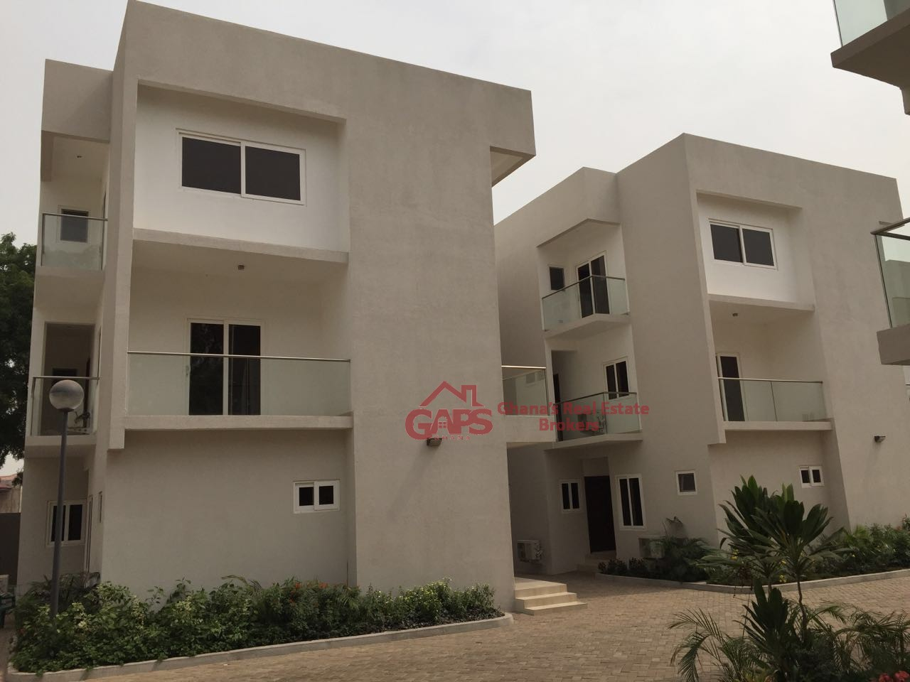 4 bedroom townhouse for rent at cantonments gaps ghana for Four bedroom townhouse