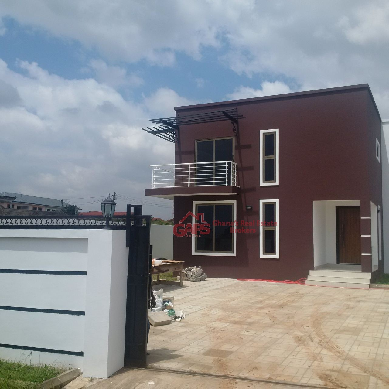 4 BEDROOM HOUSE FOR SALE IN SPINTEX