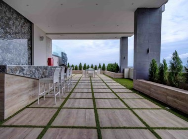 Rooftop Chill Area